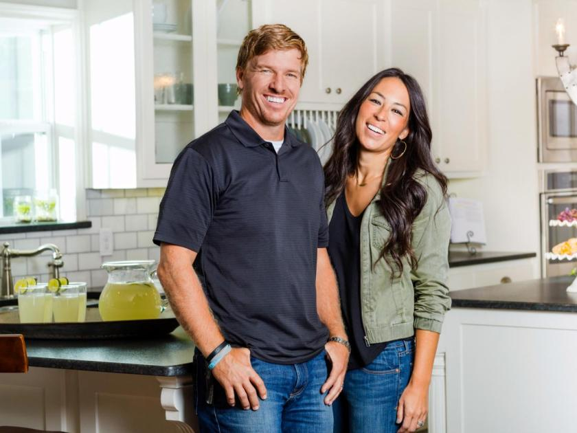 Chip-Joanna-Fixer-Upper-couple2